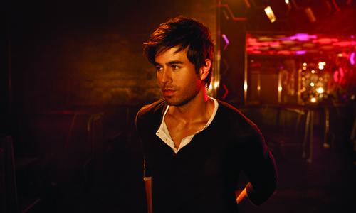 دانلود اهنگ Enrique Iglesias به نام Ring my bells